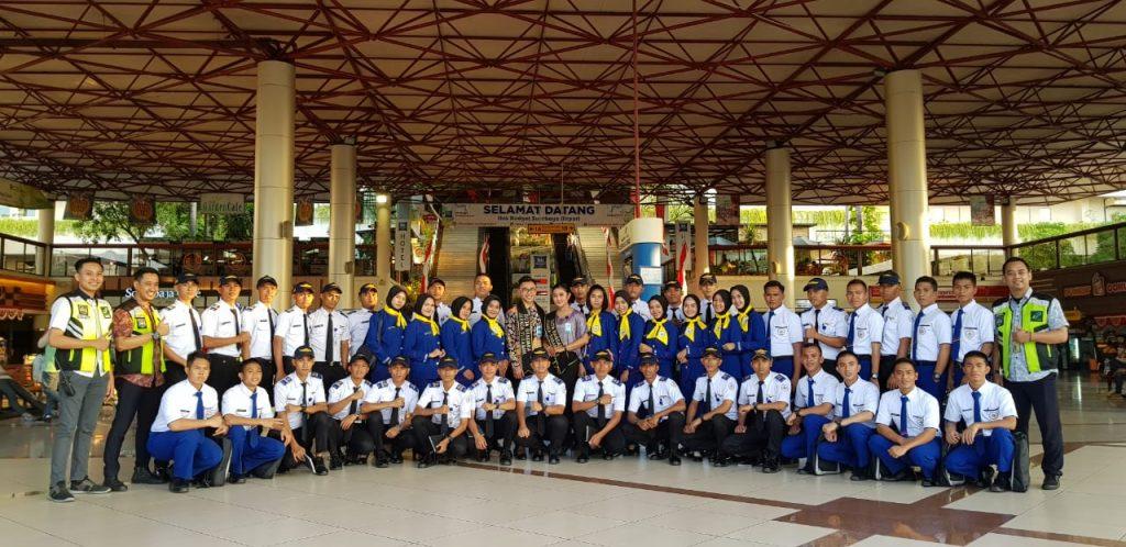LEMBAGA PENERBANGAN DI INDONESIA lembaga pendidilkan dan pelatihan tricakra, berlokasi di sidoarjo kota. Merupakan lebaga penerbangan terbaik di indonesia