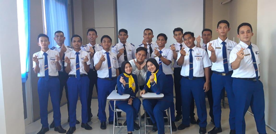sekolah penerbangan surabaya